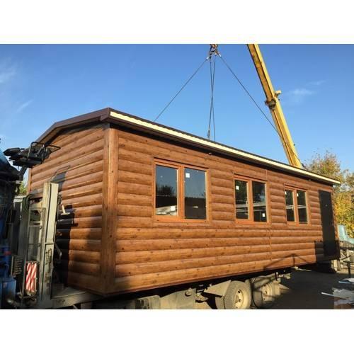 Дачный домик размером 8х3х3 м