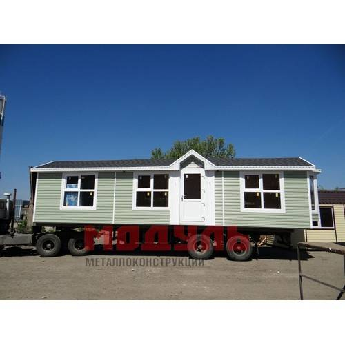 Дачный домик размером 12х3х3 м