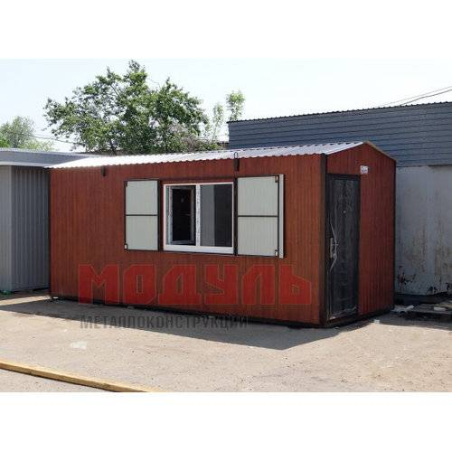 Дачный домик размером 6х2,5х2,7 м наружная отделка из металлопрофиля цвет темное дерево