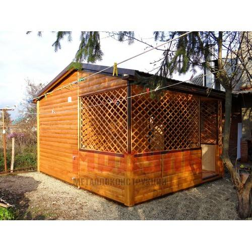 Дачный домик с верандой размером 5х4х3,5 м