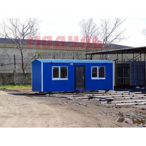 Дачный домик размером 7х2,5х2,7 м, прихожая и две комнаты