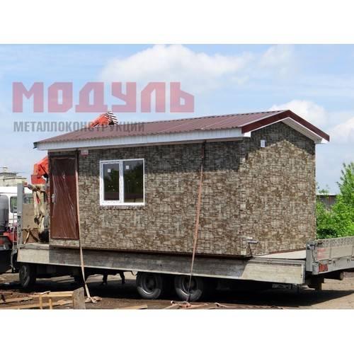 Домик для рыбаков и охотников размером 6х3,5х3 м утепленный, с санузлом и встроенной кухней