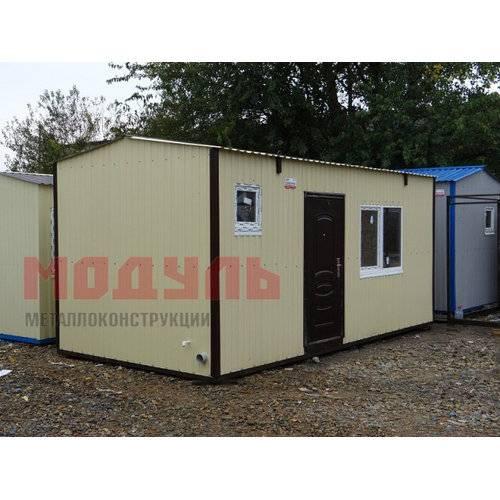 Домик для охотников и рыбаков размером 6х3х3 м утепленный, с санузлом и встроенной кухней