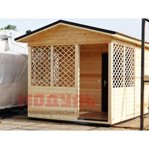 Садовый домик утепленный размером 6х3х3 м поделен на веранду и комнату