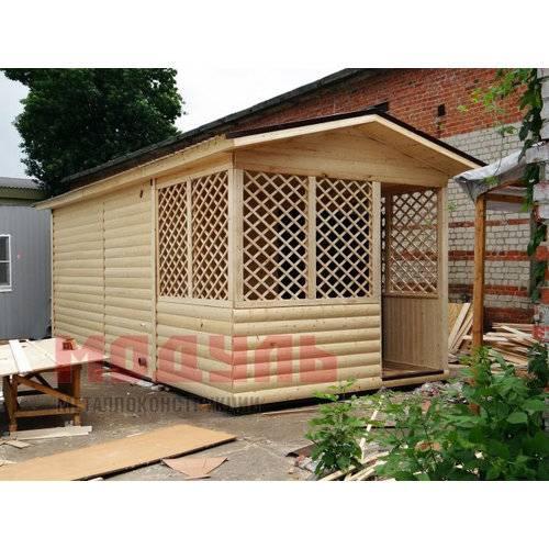Садовый домик размером 7х3х3 м, утепленный, поделен на веранду, прихожую, санузел и комнату